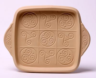 New – Celtic Triskele Shortbread Pan