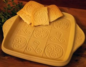 Triskele-Brown-Bag-Designs-Shortbread-in-Pan